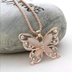 Jewelry - Butterfly Crystal & Rose Gold Fashion Necklace